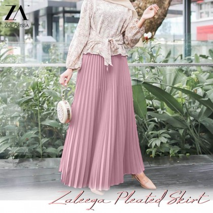 (S9108)  Zaleeqa Pleated Skirt